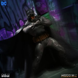 Mezco One:12 Collective Batman Ascending Knight